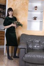 Adriana Vittoria has orgasms with holiday fun - pic #1