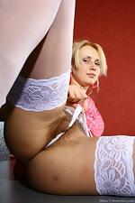 Allison lifts her short pink dress - pic #5