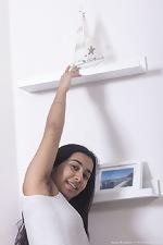 Amira Roshane strips naked on a boat - pic #1