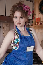 Bazhena gets naked and sexy in her kitchen - pic #1