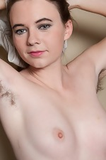 Camille does the laundry naked and is gorgeous - pic #3