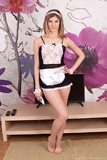 Candy Bloom strips naked as a sexy maid - pic #2