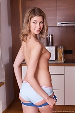 Candy Bloom strips naked in her kitchen today - pic #4