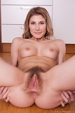 Candy Bloom strips naked in her kitchen today - pic #8