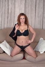Cecelia Hart strips off her sexy black dress - pic #3