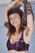 Get personal with this all natural girl - pic #3