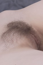 Naked Eliza Thorn having fun on a big bed - pic #12