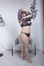 Ellariya Rose models her black lingerie today - pic #5