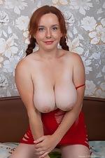 Elouisa masturbates in bed wearing red lingerie  - pic #5