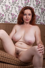 Elouisa strips naked after showing off red shoes - pic #16