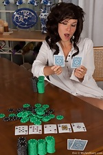 Hairy Eve loses at strip poker - pic #1