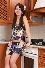 Evelyn spreads her bush in the kitchen - pic #2