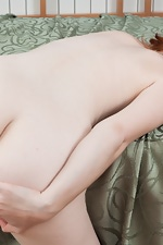 Hairy Florences bright red hair matcher her carpet - pic #16