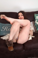 Franckoh enjoys stripping naked on her sofa - pic #4