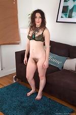 Franckoh enjoys stripping naked on her sofa - pic #8