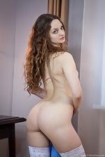 Ginger stuns in white lingerie - pic #7
