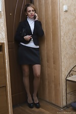 Ivanna strips naked to masturbate in her hallway - pic #1