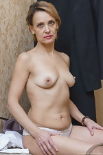 Ivanna strips naked to masturbate in her hallway - pic #8