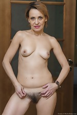 Ivanna strips naked to masturbate in her hallway - pic #15