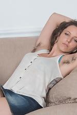 Jazmine Skye masturbates with her pink vibrator  - pic #3