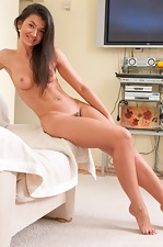 Natural Julie naked on the couch - pic #7