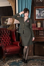 Kate Anne strips from her military uniform  - pic #1