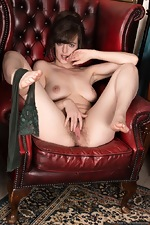 Kate Anne strips from her military uniform  - pic #12
