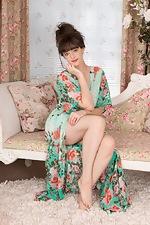 Kate Anne undresses elegantly in her boudoir  - pic #1