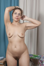 Kira Arda strips nude after sorting her clothes - pic #9