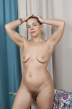 Kira Arda strips nude after sorting her clothes - pic #15