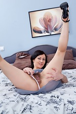 Kristy spreads her hairy pussy and ass - pic #5