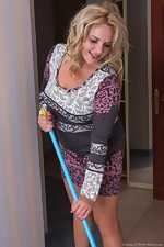 Hot and hairy housewife Lariona cleaning up for us - pic #1