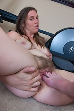 Lindsay and Veronica Snow has post workout sex - pic #12