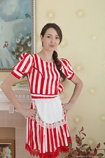Lisa Carry strips off her red striped dress for us  - pic #1
