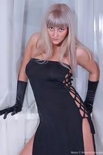 Maya's sexy black dress - pic #2