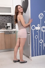 Melani Bree strips naked in her kitchen  - pic #1