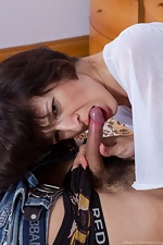 Hairy girl Milady pounces on her prey - pic #2