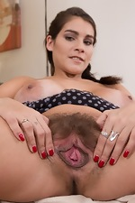 Mischel Lee gets naked and masturbates to delight  - pic #11
