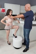 Mischel Lee has pictures taken and has hot sex  - pic #1