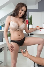 Mischel Lee has pictures taken and has hot sex  - pic #3
