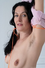 Nimfa Mannay enjoys some naked cleaning fun - pic #6