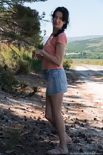 Nimfa Mannay strips naked in the outdoors  - pic #2