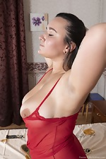 Ramira poses in her red lingerie in bed - pic #4