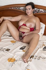 Ramira poses in her red lingerie in bed - pic #6