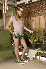 Rosy Heart is gardening but stripping naked too  - pic #1