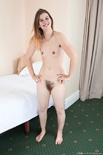 Roxette strips naked in her bed looking pretty - pic #12