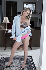 Sarah Michaels puts on a hot striptease for us  - pic #4