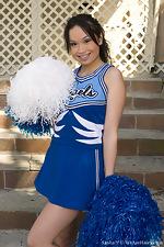 Hairy Sasha Yung's cheerleader routine - pic #1