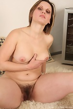 Saxana spreads her juicy bush wide - pic #10