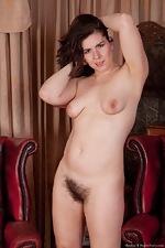 Hirsute model Sharlyn enjoys her new job - pic #16